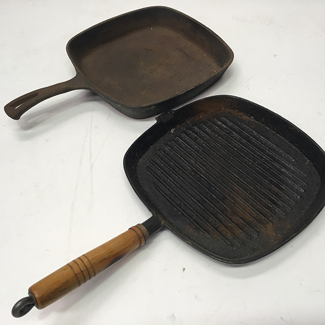 PAN0102 PAN, Frypan - Square Cast Iron $7.50