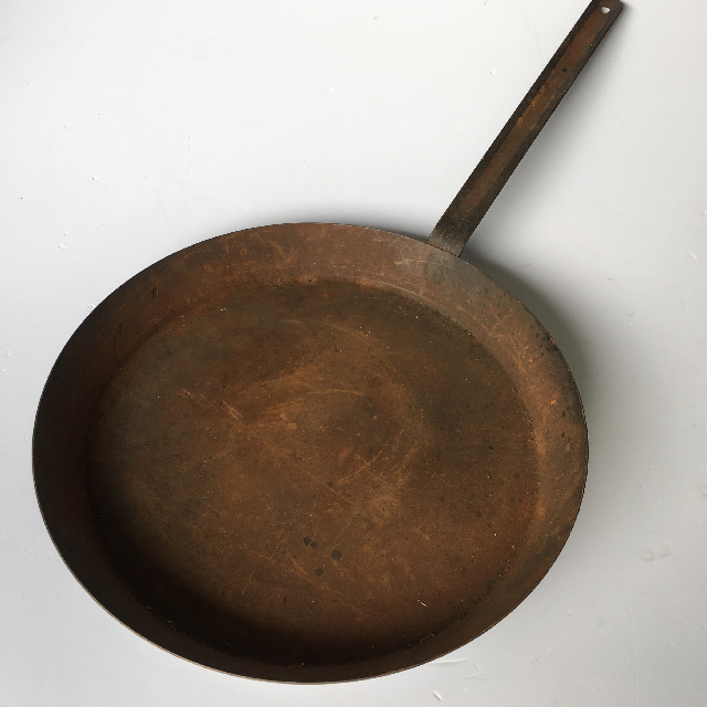 PAN0101 PAN, Frypan Ex Large Cast Iron $7.50