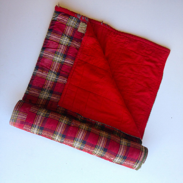 SLE0007 SLEEPING BAG, Retro Red Tartan w Red Lining $11.25