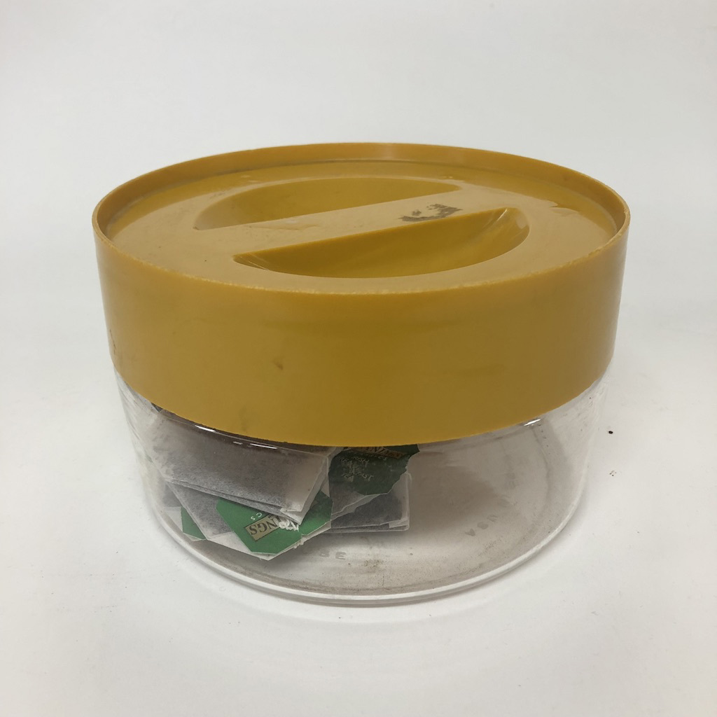 STO0415 STORAGE CONTAINER, Clear Plastic w Mustard Lid $3.75