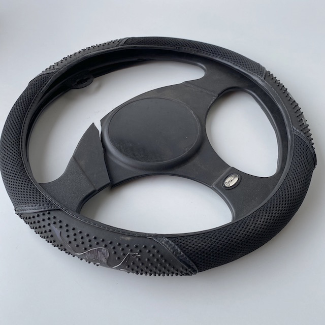 CAR0125 CAR ACCESSORY, Steering Wheel - Black Rubber $7.50