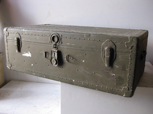 CHE0100 CHEST, Large Army Green Metal 92x50x32cm H $37.50
