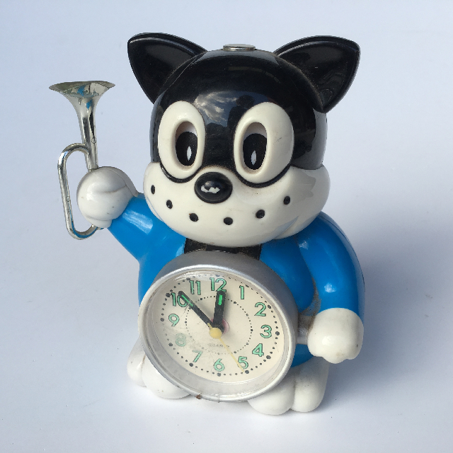 CLO0003 CLOCK, Alarm Novelty Cat w Trumpet $4.50