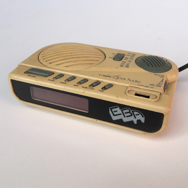 CLO0031 CLOCK, Digital Clock Radio - Cream EBA $11.25