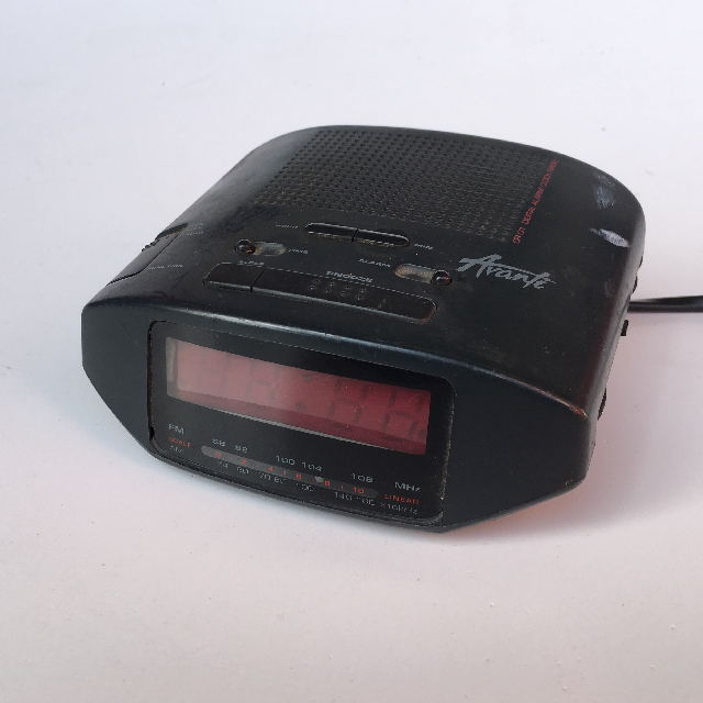CLO0040 CLOCK, Digital Clock Radio - Small Black Avanti $6.25