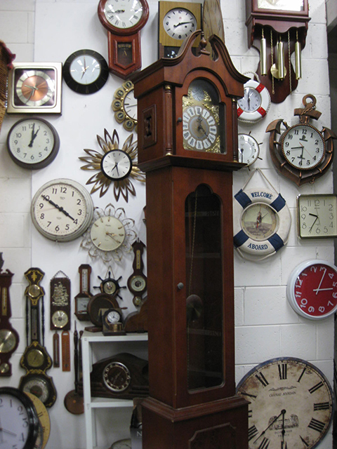 CLO0058 CLOCK, Grandfather Clock 2.12m H 42 x 27cm W  $100