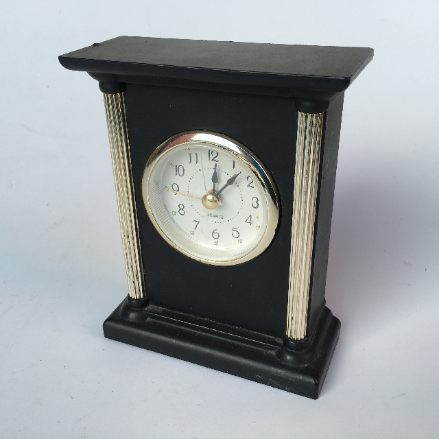 CLO0060 CLOCK, Mantel Clock - Black w Fluted Column $8.75