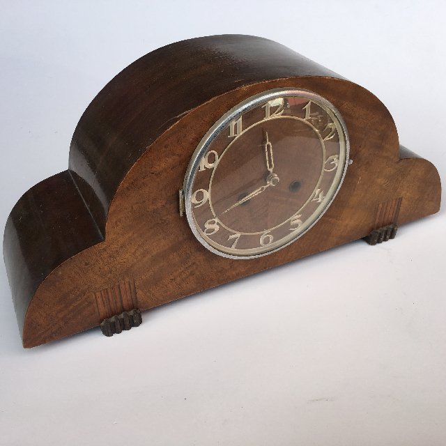 CLO0068 CLOCK, Mantel Clock - 1930s Timber $22.50