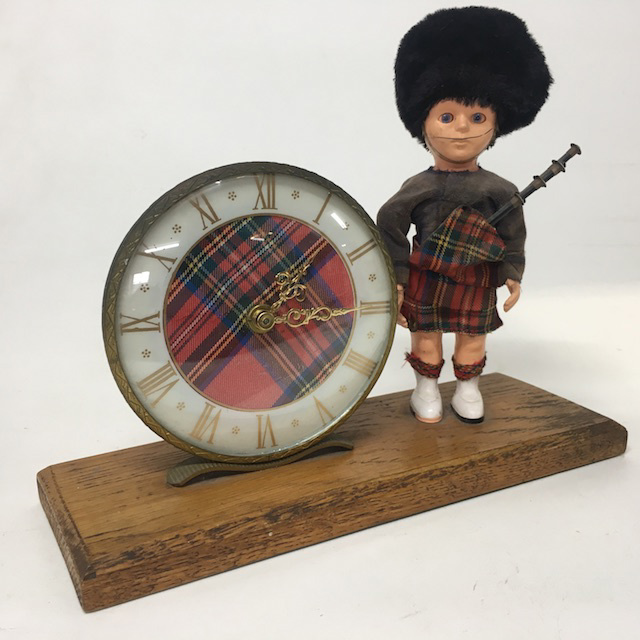 CLO0066 CLOCK, Mantel Clock - Scottish Bagpiper w Tartan $10