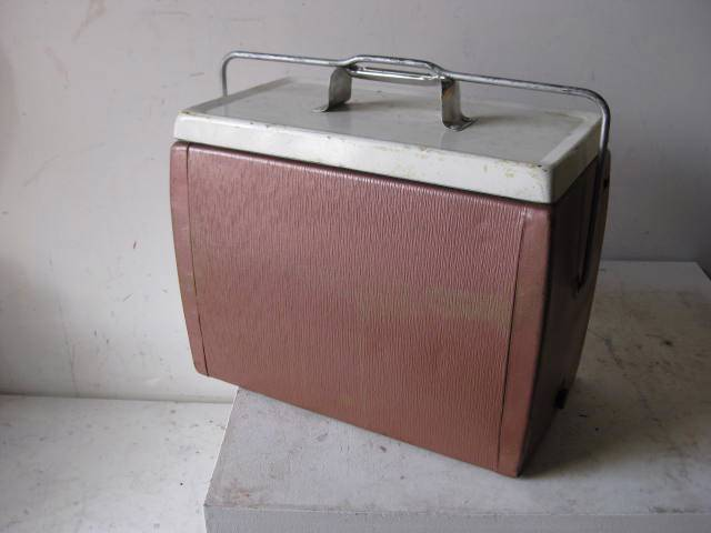 ESK0100 ESKY, Pink White Lid 1950s 1960s $15
