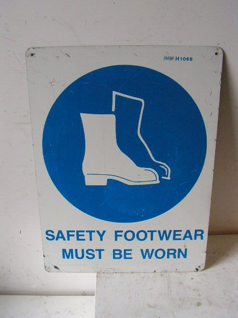 SIG0319 SIGN, Construction - PPS Footwear $11.25