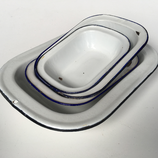 BAK0006 BAKING DISH, White Enamel w Blue Rim - Small $5, Medium $6.25 (BAK0005)