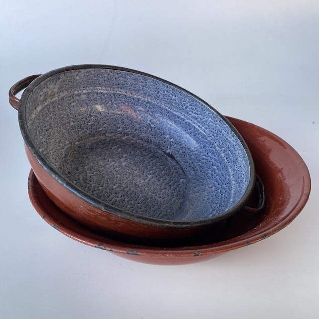COO0003 COOKWARE, Bowl or Dish - Vintage Rust Brown Enamel $7.50