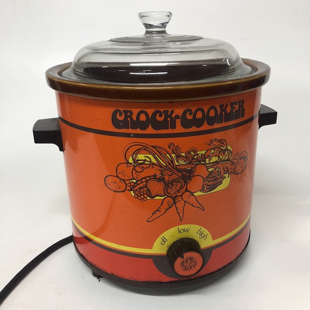 COO0002 COOKWARE, Crock Pot - Orange $15