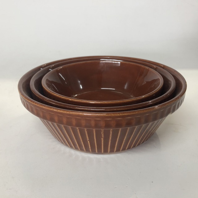 DIS0055 DISH, Pie Dish - Set of 3 Brown Ribbed $12.5