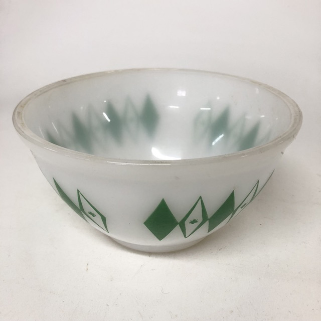 MIX0020 MIXING BOWL, Glass - Green Diamonds $3.75