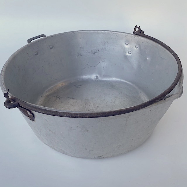POT0210 POTS n PANS, Aluminium Stock Pot w Rust Handle - Large $10