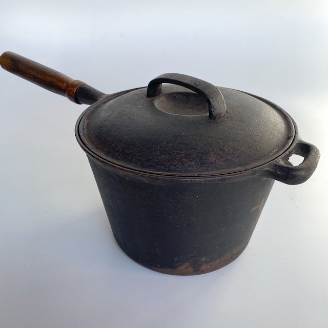 POT0167 POTS n PANS, Blackened Steel Wooden Handle w Lid $12.50