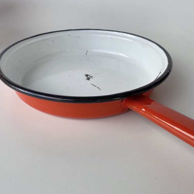 POT0185 POTS n PANS, Orange Enamel Frypan $10