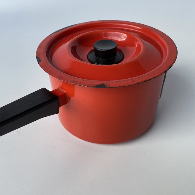 POT0190 POTS n PANS, Orange Red Enamel Black Handle Saucepan w Lid $7.50