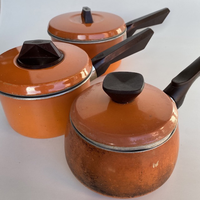 POT0191 POTS n PANS, Orange w Black Handle Saucepan w Lid $7.50