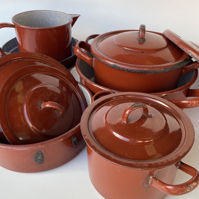 POT0197 POTS n PANS, Rust Brown Enamel $10