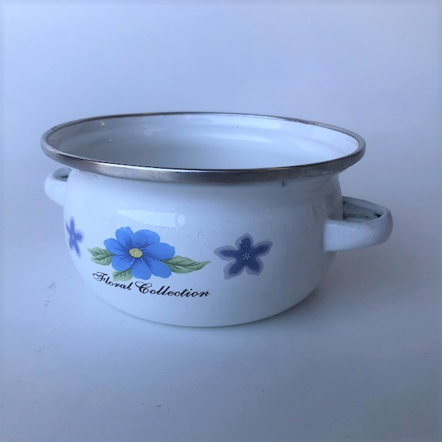 POT0218 POTS n PANS, White Floral Collection Ex Small $5