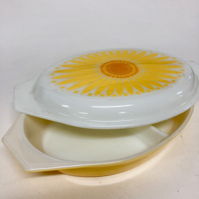SER0002 SERVING DISH, Yellow White Sunflower w Lid $7.50