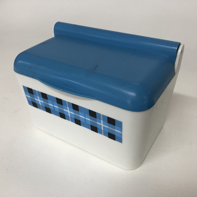 CON0047 CONDIMENT MISC, Butter Dish - Blue White Bessemer $6.25
