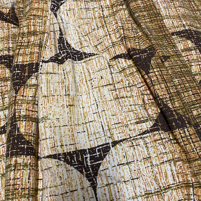 CUR0056 CURTAIN, 1970s Brown Geometric $25