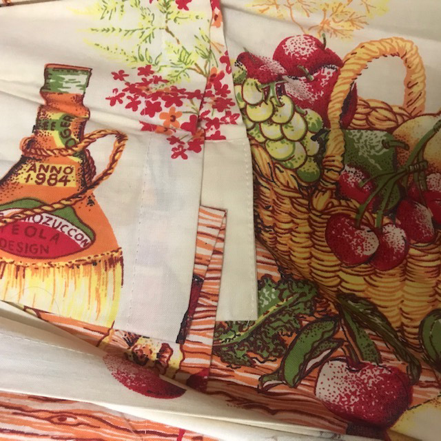 CUR0125 CURTAIN, Pair Vintage Chianti Fruit Basket $30