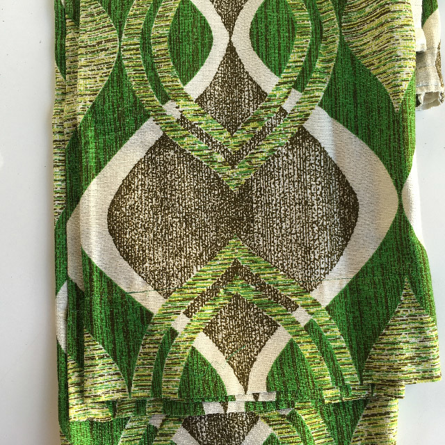 CUR0016 CURTAIN, Pair 1970s Green Brown Link Pattern $30