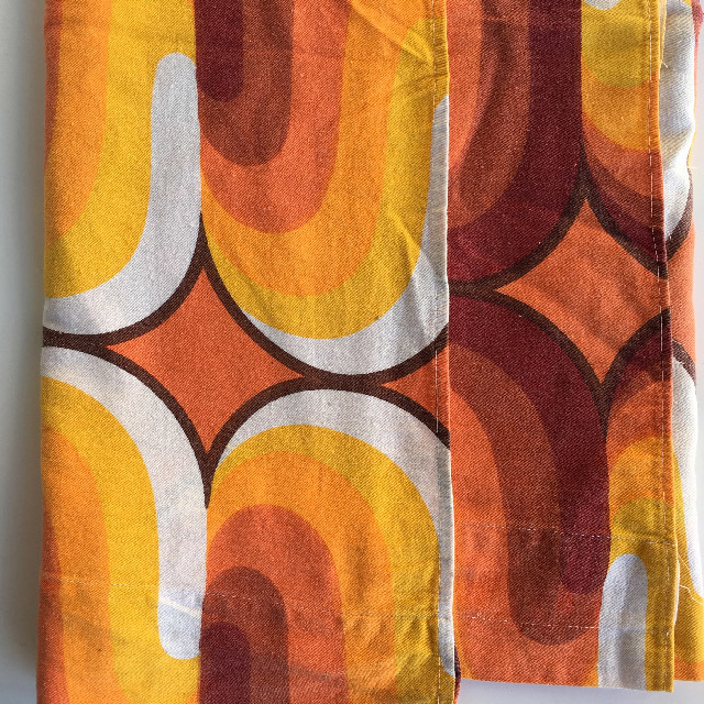 CUR0014 CURTAIN, Pair 1970s Orange Retro Pattern 1.18m x 68cm Drop (Slightly Faded) $30