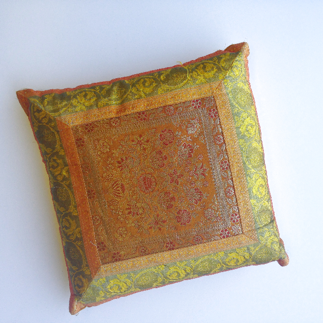 CUS0018 CUSHION, Asian - Green and Gold $10