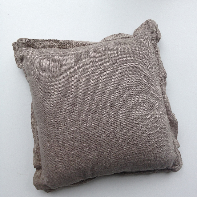 CUS0056 CUSHION, Brown Linen Country Road 50cm $15