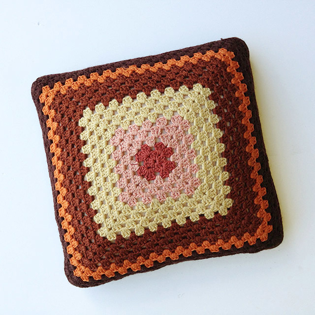 CUS0121 CUSHION, Crochet - 1970's Brown  $10
