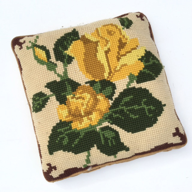 CUS0131 CUSHION, Cross Stitch - Yellow Rose $10