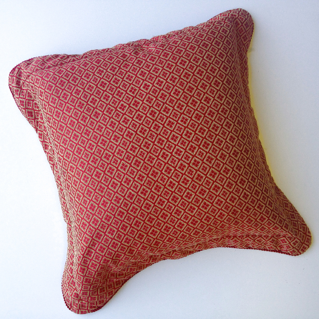 CUS0185 CUSHION, Red Gold Brocade w Flange Edge $15