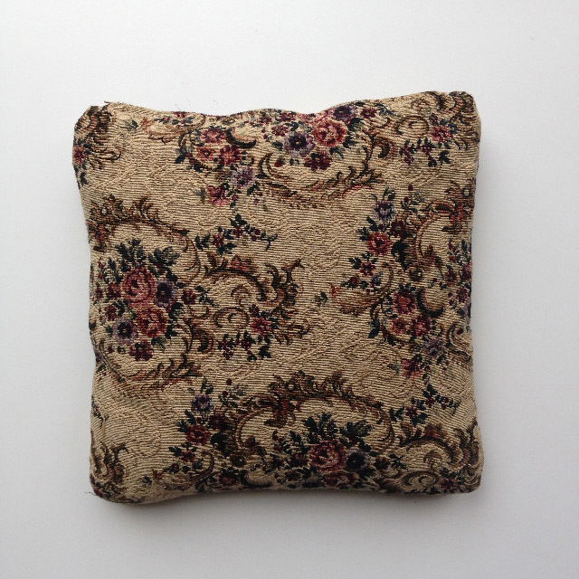 CUS0209 CUSHION, Tapestry - Floral Motif $10