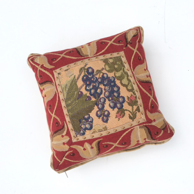 CUS0210 CUSHION, Tapestry - Grapes (Ex Small) $6.25