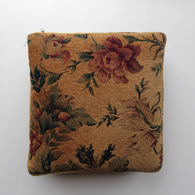 CUS0214 CUSHION, Tapestry - Vintage Floral $10