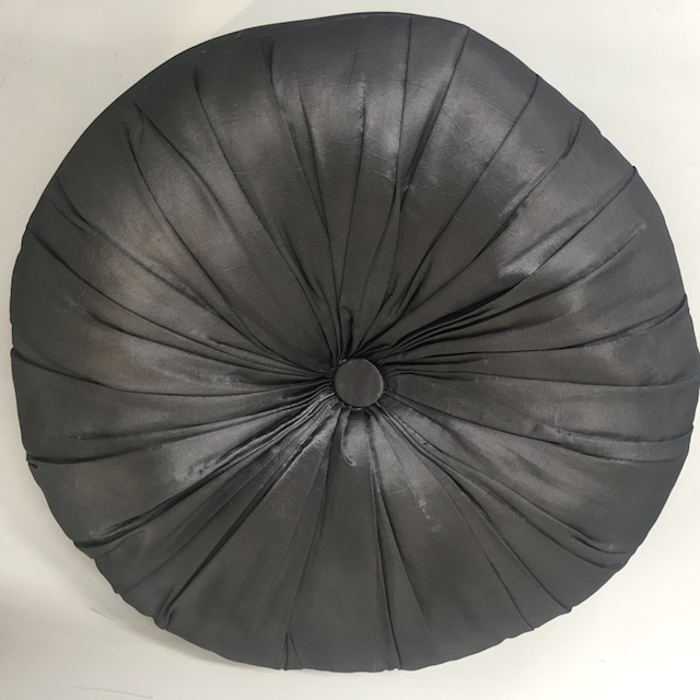 CUS0237 CUSHION, Black Round 40cm $10