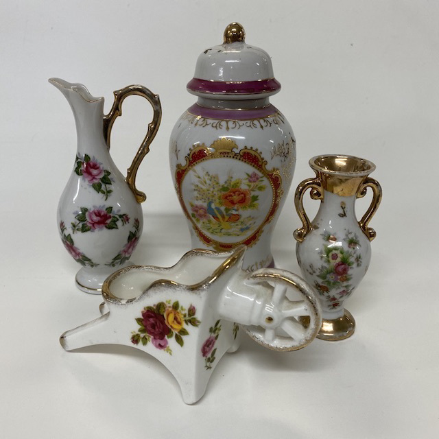 ORN0014 ORNAMENT, English China w Floral and Gold Detail (small) $4.50
