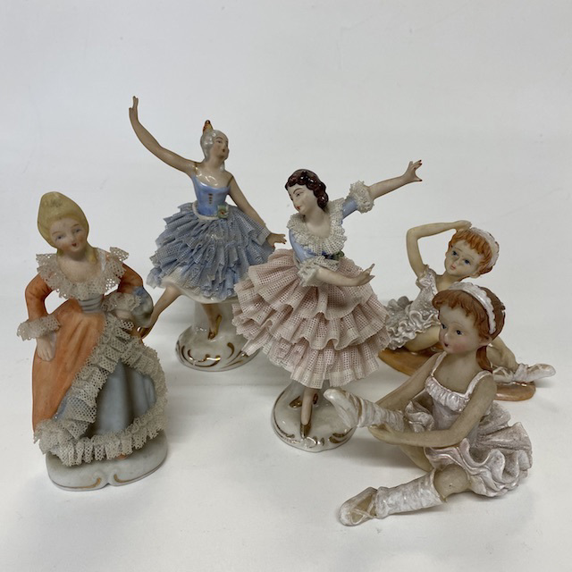 ORN0019 ORNAMENT, Figurine - Small Dancing Ballet $3.75
