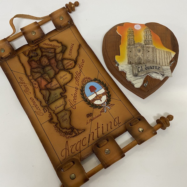 SOU0036 SOUVENIR, South American Wall Hanging or Plaque $3.75