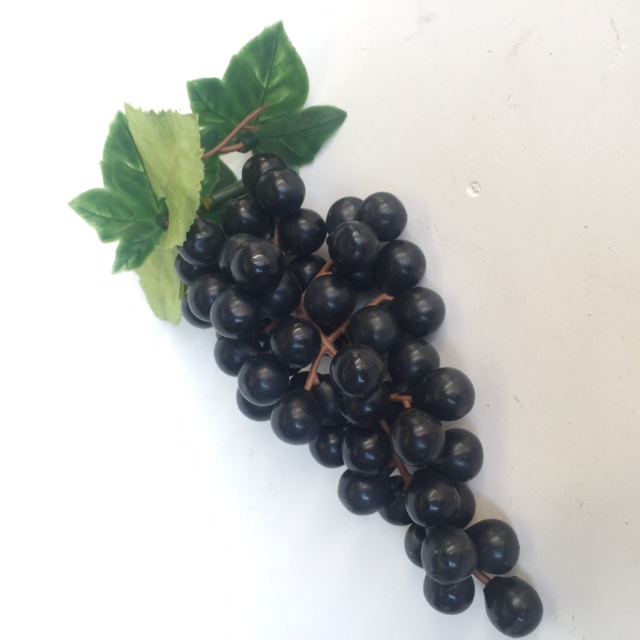FRU0033 FRUIT, Artificial - Grapes Black Bunch $2