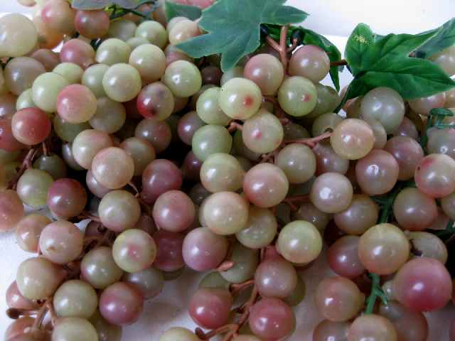 FRU0013 FRUIT, Artificial - Grapes Green Bunch $2
