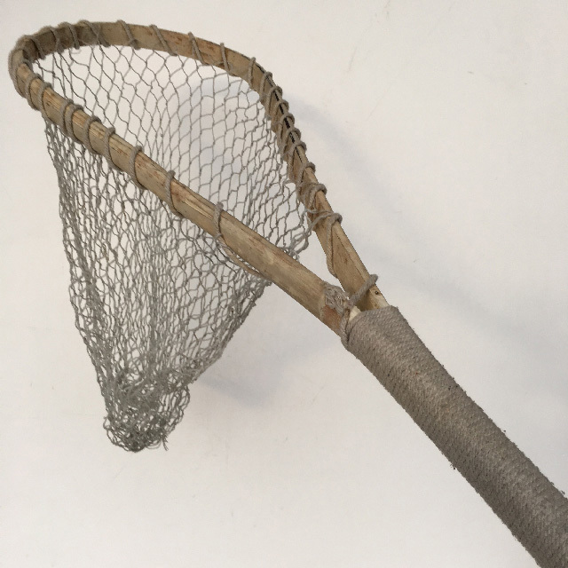 NET0007 NET, Vintage (Fishing) Short Bound Handle $15