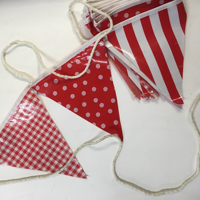 BUN0035 BUNTING, Plastic Red White Pattern $10