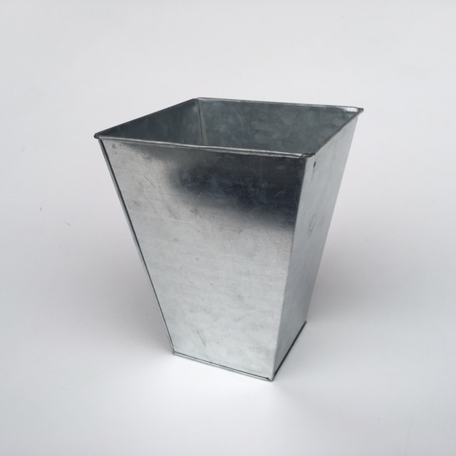 BUC0024 BUCKET, Florist Galvanised - Square $2.50